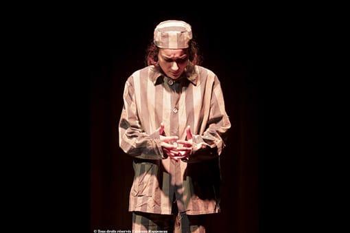 « L'exception » : un spectacle essentiel, au Théâtre de la Contrescarpe, d'après le livre « Refus de témoigner » de Ruth Klüger