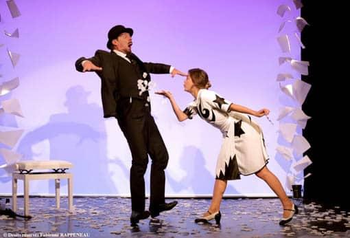 """""""Je m'appelle Erik Satie comme tout le monde"""" au Théâtre de la Conterscarpe, Anaïs Yazit souffle des pétales sur Elliot Jenicot"""