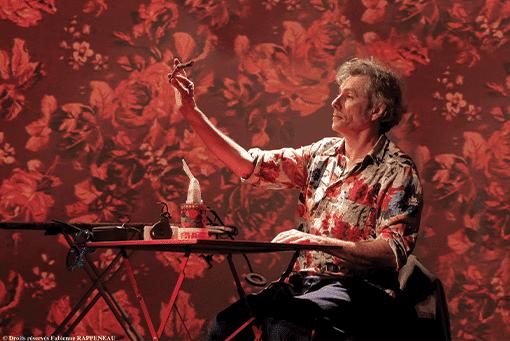 """One man show humoristique """"En mode souci"""" de Philippe Fertray au Théâtre de la Contrescarpe : le sketch """"lettre à Xi Jiping"""""""