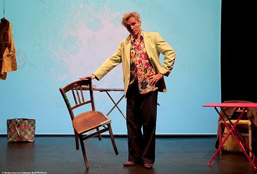 """One man show humoristique """"En mode souci"""" de Philippe Fertray au Théâtre de la Contrescarpe : sketch """"la recherche d'emploi"""""""